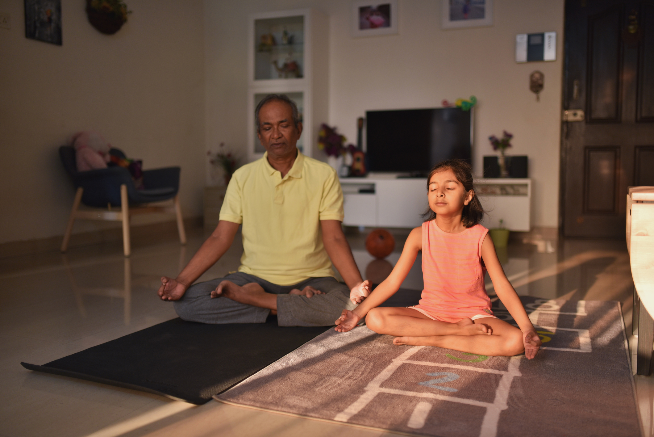 3 Tips To Practice Family Mindfulness at Home